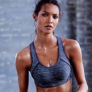 NWOT Victoria's Secret VSX Incredible Sports Bra